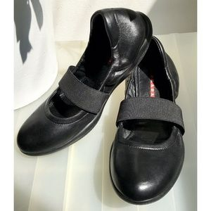 New Prada Black Leather Ballet Flats Shoes 38 7.5